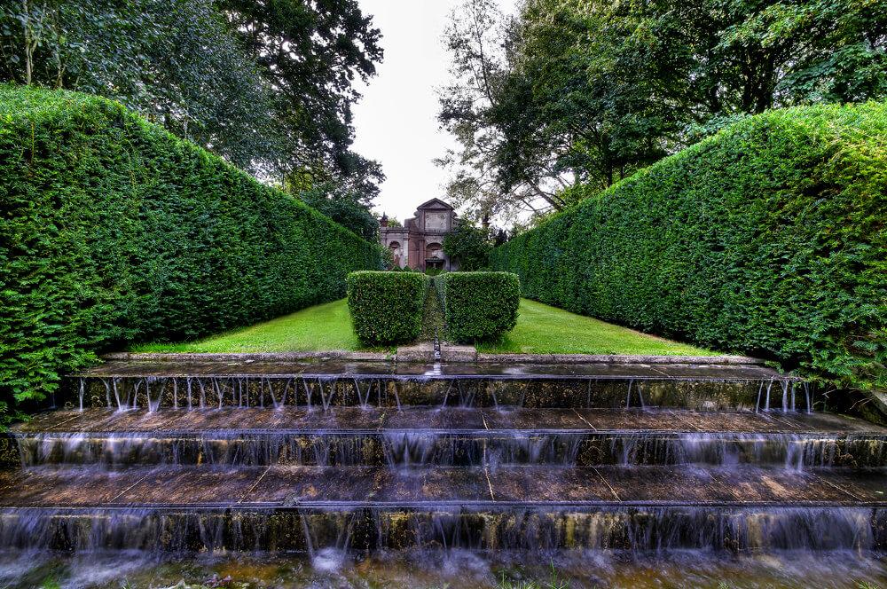 West-Green-House-Gardens_Nyphaeum